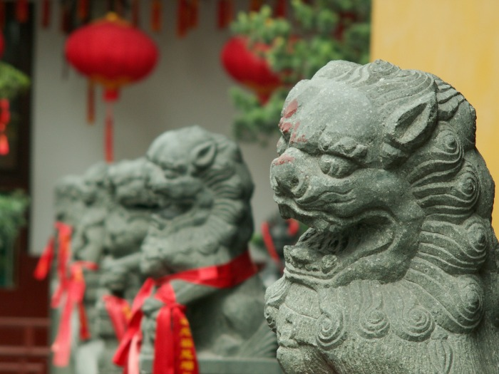 chinese-lion-statues