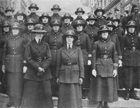 women-police-patrol