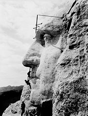 180px-Mount_Rushmore2